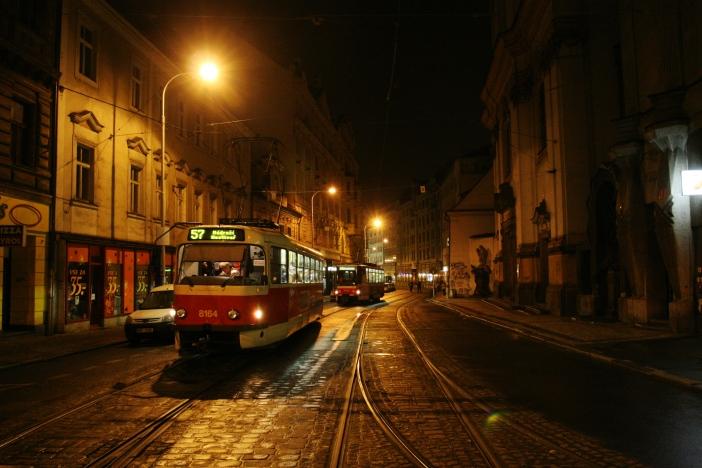 Prague_night_tram_Spalena